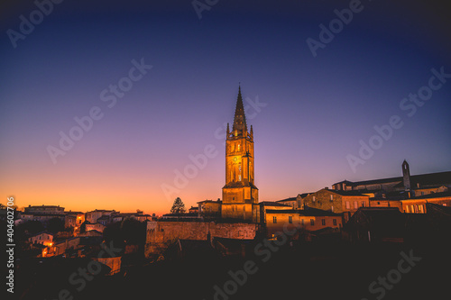 Fototapeta Saint Emilion un soir d'hiver