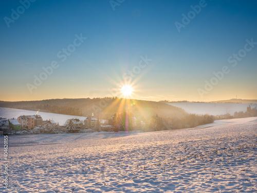 Sonnenuntergang im winterlichen Vogtland