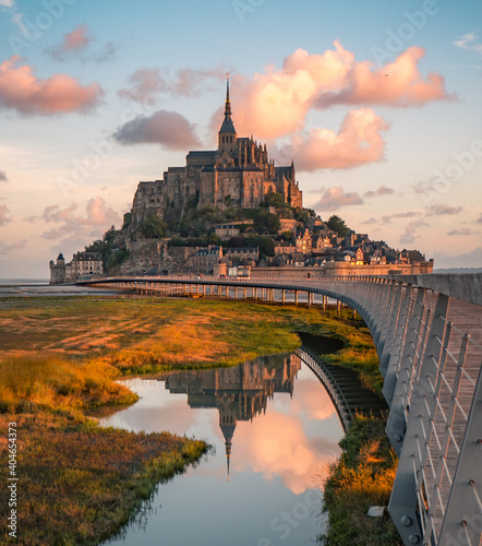 Fotografie, Obraz Mont Saint-Michel at sunrise in Normandy, France