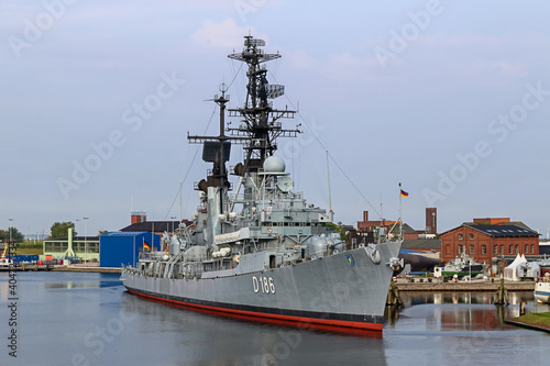 Photo Navy vessels at the dock in the canals of Wilhelmshaven Germany