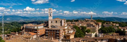 Fototapeta イタリア ペルージャのサン・ドメニコ教会とサン・ピエトロ教会  obraz
