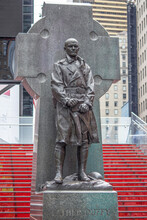 Statue Of Father Duffy Times Square Duffy Square New York City