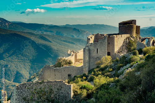 Obraz Peyrepertuse ruined fortress in the Corbieres Massif in France - fototapety do salonu