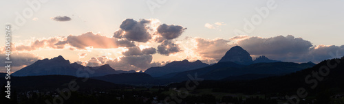 Photo Panoramic View Of Mountains Against Sky During Sunset