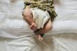 布オムツを履いた赤ちゃんのアップ