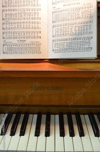 Hymnal on a Piano Fototapet