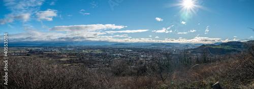 Fototapeta vue panoramique sur Clermont et les monts d'Auvergne