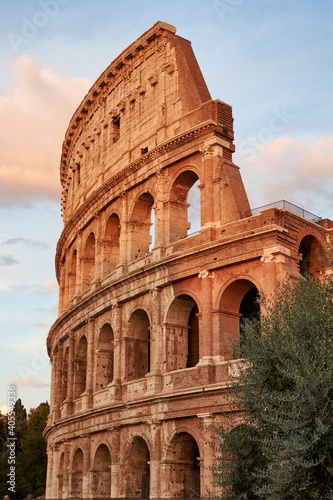 Fotografiet Low Angle View Of The Colosseum Against Sky