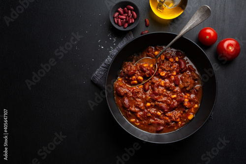 Foto Classic chili con carne served on plate