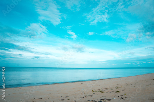 Obraz Scenic View Of Sea Against Blue Sky - fototapety do salonu