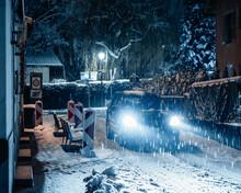 Conduire De Nuit Sous La Neige