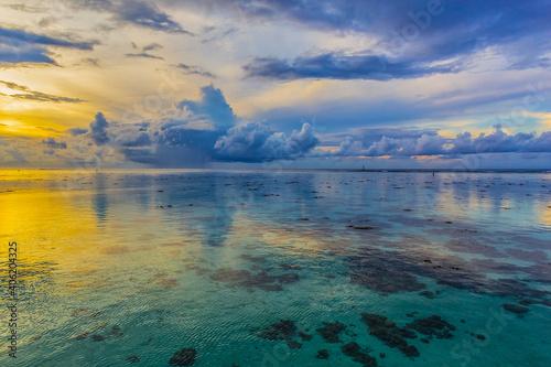 Fotografie, Obraz Scenic Tropical landscapes on the Moorea Island, French Polynesia