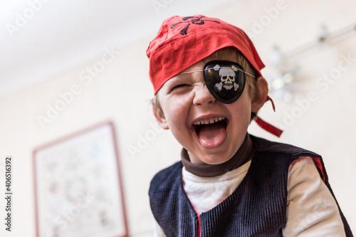Obraz na płótnie petit garçon pirate