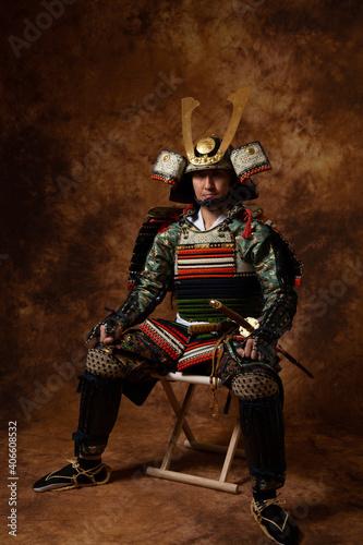 Leinwand Poster Samurai japonés, hombre con armadura, japonés con espada, lucha