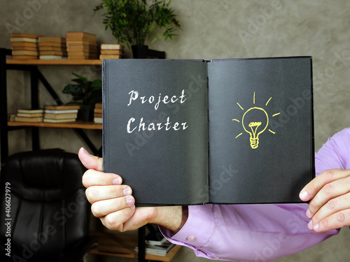Papel de parede Financial concept meaning Project Charter with inscription on the piece of paper