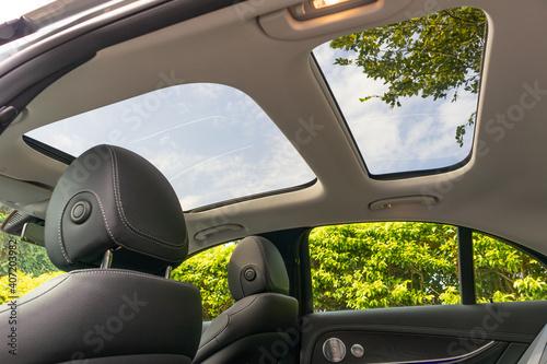 Fototapeta Mercedes-Benz E-Class 2020 Sun-roof
