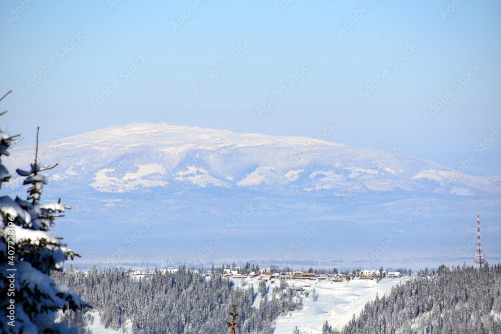 Fototapeta Babia Góra w zimie, Babiogórski Park Narodowy, zimowy szlak na Diablaka