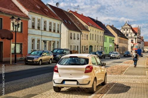 niemegk, deutschland - hauptstraße in der altstadt während der coronakrise © ArTo