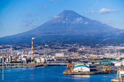 Papel de parede 静岡県富士市田子の浦からの工場と富士山