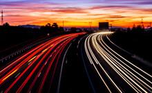 Luces En La Noche En La Carretera