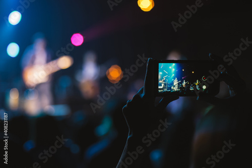 The recording a memorable live concert with  phone