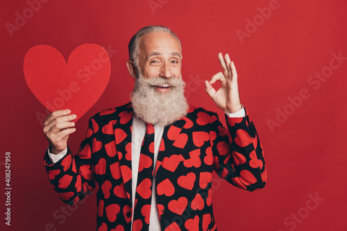 Obraz na plátne Photo of old adviser man hold paper heart figure show okey sign toothy smile wea