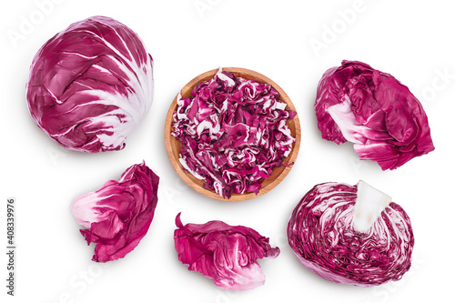 Fotomural Fresh red radicchio salad in wooden bowl isolated on white background with clipping path and full depth of field