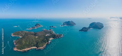 zewnętrzne wyspy w pobliżu zbiornika High Island, niesamowity widok z lotu ptaka na Sai Kung, słynne miejsce wypoczynku w Hongkongu, na świeżym powietrzu