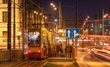Fototapeta Fototapeta Londyn - tram at night