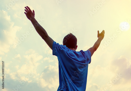 Carta da parati Happy Man with Hands Up