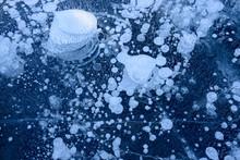 糠平湖のアイスバブル