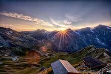 Sonnenuntergang über Den Hohen Tauern