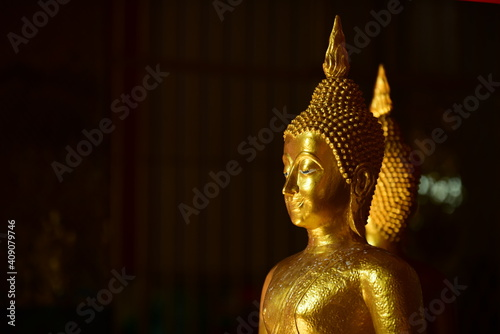 The golden Buddha image Fototapet