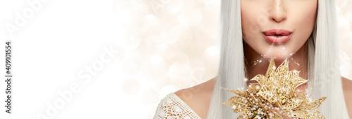 Fairy woman with golden flowers Fototapeta