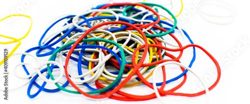 Canvas Print farbige Reifen, weißer Hintergrund, farbige Objekte, bunte, farbige Streifen, fa