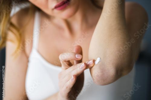 Fototapeta Applying Cream On Healthy Dry Skin obraz
