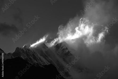 Canvas Print Massiccio dell'Annapurna al tramonto (bianco e nero)