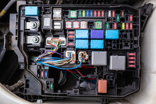 Automotive Fuse Set For Controlling Various Vehicle Systems