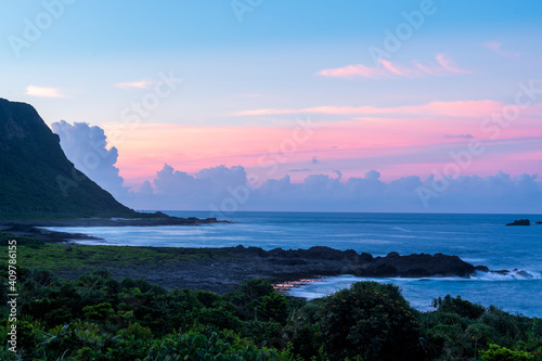 Fotografía The warship rock of Lanyu at Sunset, Taiwan
