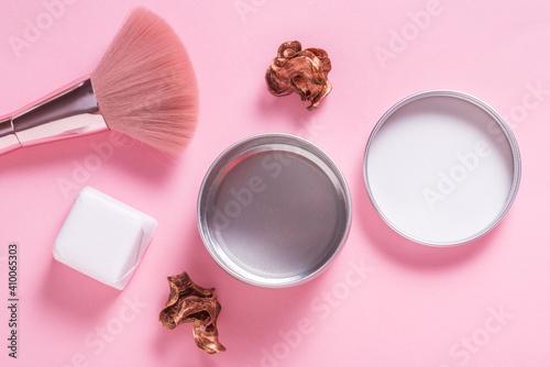 Fototapeta Tin metal cosmetic box, case on pink background obraz na płótnie