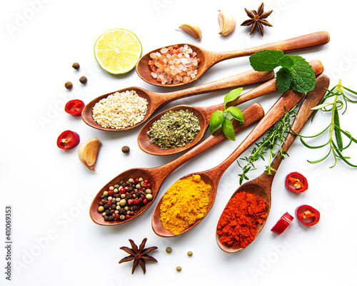 Fototapeta Various spices isolated on white background, top view obraz