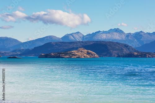 Slika na platnu Lake in Patagonia