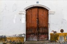 Porta Vintage, Madeira Bastante Antiga Mas Charmosa.
