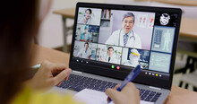 Medical Student Has Online Remote Learning