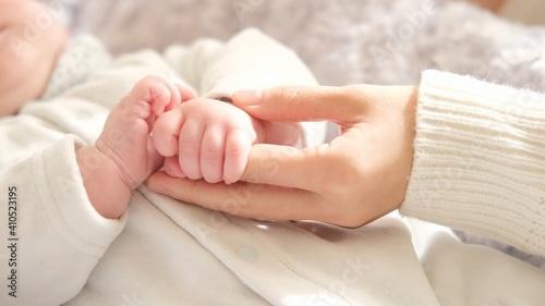 Fotografie, Obraz 赤ちゃんの手