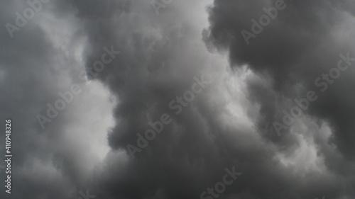 Fotografija Ciel déchiré au passage d'un nuage de type Arcus