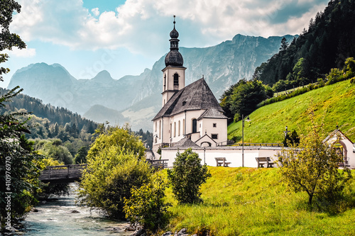 Canvas Amazing alpine landscape in the Bavarian Alps with the church of St