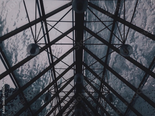 Fotografia Low Angle View Of Built Structure Against Sky