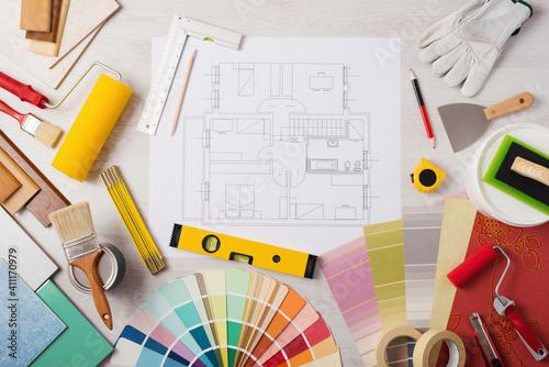 Fototapeta Decorator's work table with tools obraz