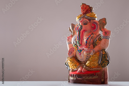 Obraz ganesh idol on white background	 - fototapety do salonu